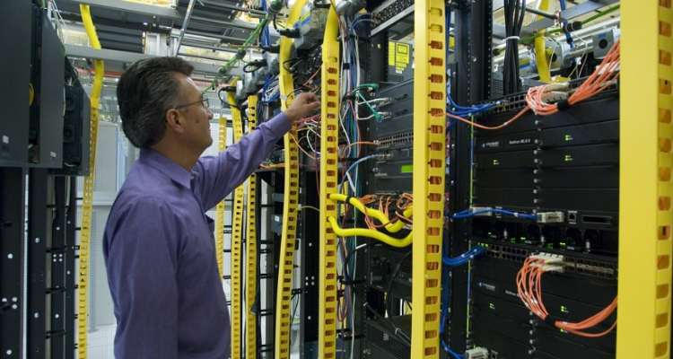 Preventing unplanned data center downtime